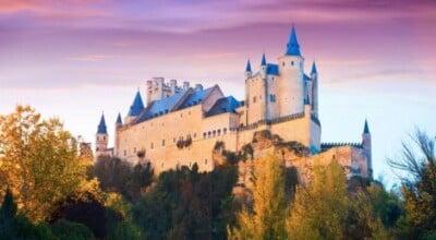 15 castelos mais fascinantes do mundo