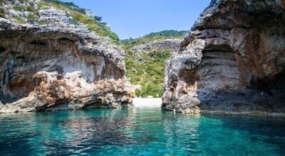 10 fotos que provam que a Stiniva merece o título de melhor praia da Europa