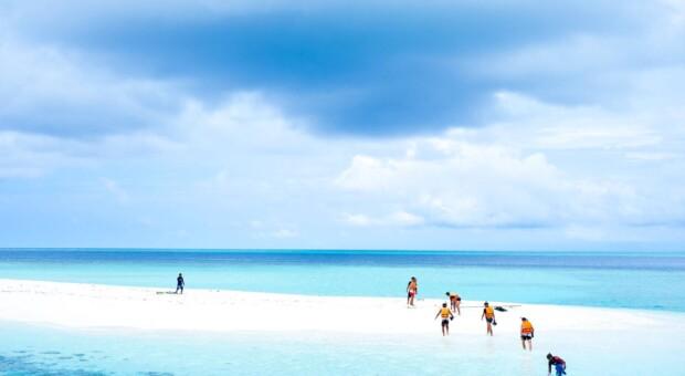 Chefe gasta R$1,6 milhão e leva funcionários para viagem dos sonhos às Maldivas