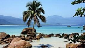 17 praias entre São Paulo e Rio de Janeiro que deixam o Caribe no chinelo