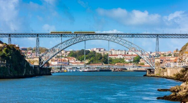 9 maneiras de economizar com transporte, viajando em Portugal