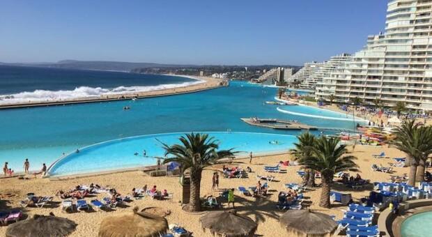 Saiba tudo sobre a maior piscina do mundo, no Chile
