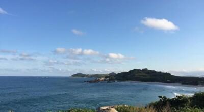 O que fazer e onde se hospedar na Praia da Ferrugem, em Santa Catarina