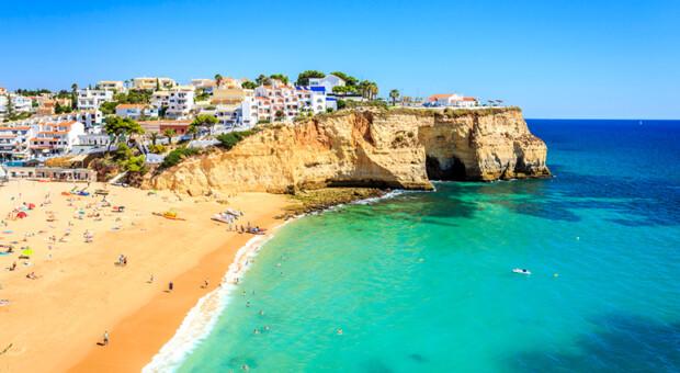 Algarve: todos os encantos do paraíso das mais belas praias de Portugal