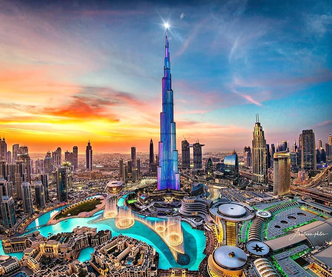 Dubai: o contraste entre a modernidade e o atraso com as conservadoras leis islâmicas. (Foto: Reprodução / Viajali)