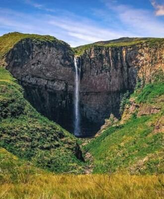 Cachoeira do Tabuleiro: apaixone-se pela queda d'água mais alta de Minas Gerais
