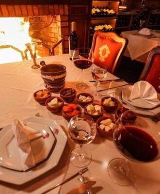 7 lugares imperdíveis para apreciar fondue em Gramado