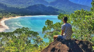 Praia de Castelhanos: um paraíso preservado em meio a Ilhabela