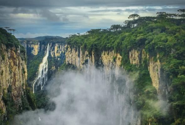 Cânion Itaimbezinho: conheça belezas e uma natureza impressionante
