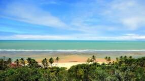 Conheça Arraial d'Ajuda, um paraíso cheio de encantos no sul da Bahia