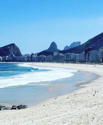 Praia do Leme: guia completo do que fazer na vizinha de Copacabana