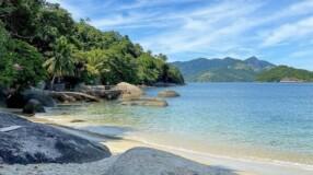Conheça a Ilha de Jaguanum, um paraíso tropical no Rio de Janeiro
