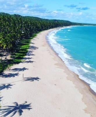 Encante-se com a Praia da Sereia, uma das orlas mais belas de Maceió